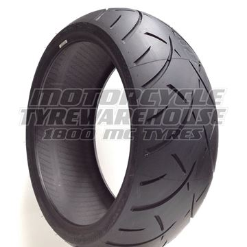 Picture of Metzeler Marathon ME888 240/40R18 Rear